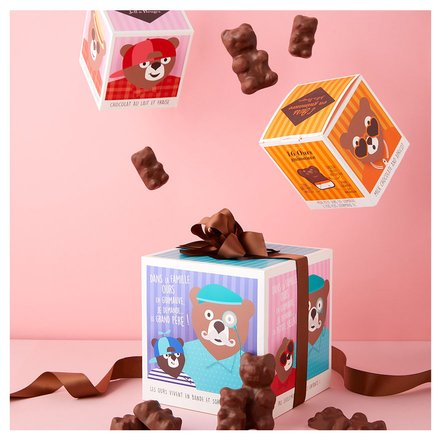 Un cube XXL garni d'ours à la guimauve par Jeff de Bruges